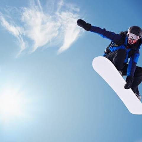 Ways for Making Snowboard Turns in Mammoth Lakes, CA