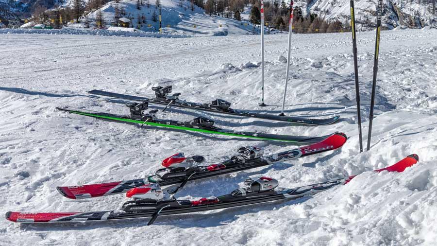 Rent or buy skis