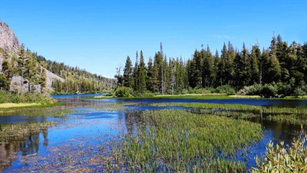 What to Pack for Your Spring Trip to Mammoth Mountain in Mammoth Lakes, CA