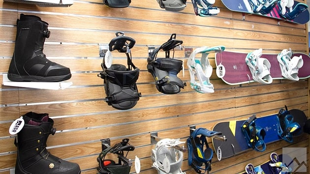 Snowboard Gear in Mammoth