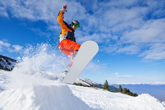 Snowboarding rentals in mammoth
